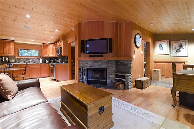 15-Million-Contemporary-Whistler-Cabin-in-Canada-10