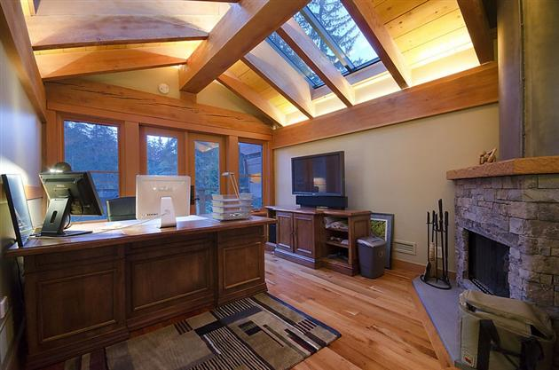 15-Million-Contemporary-Whistler-Cabin-in-Canada-4