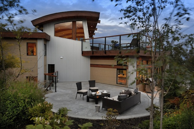 High-End-Armada-House-in-Victoria-British-Columbia-12