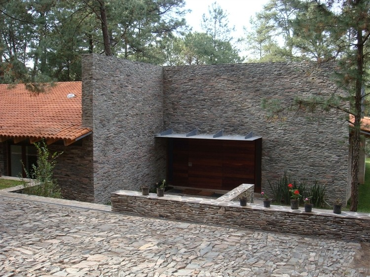 005-toc-house