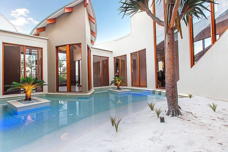 004-central-beach-house-mark-gacesa