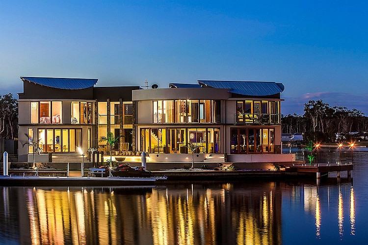 027-central-beach-house-mark-gacesa