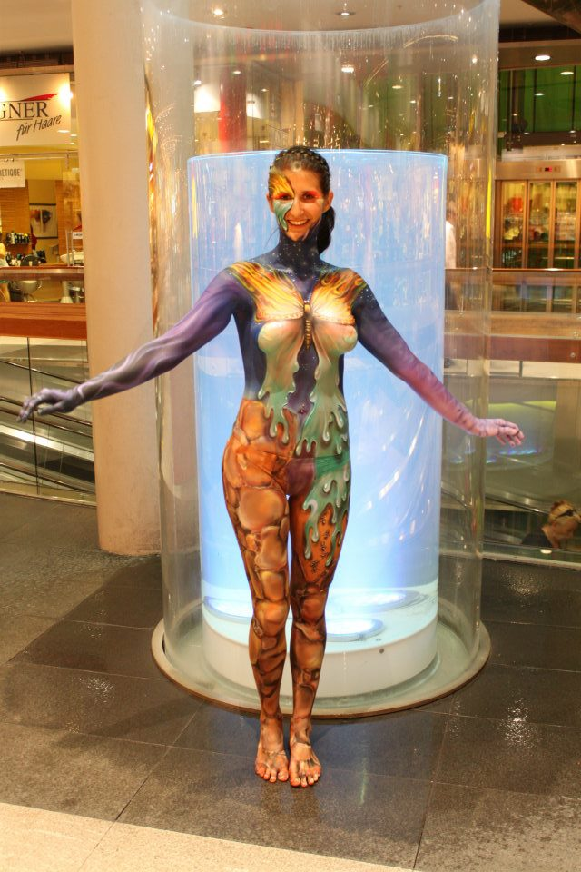 Amazing body paintings from world body painting festival for Best body paint pics