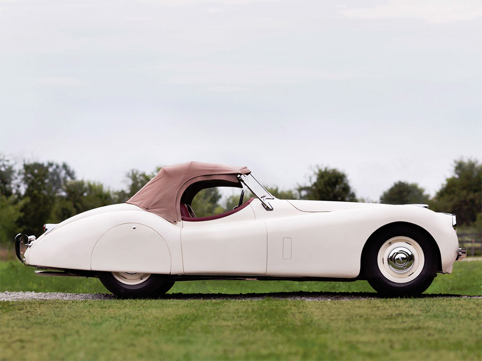 1951-Jaguar-XK120-Roadster-11