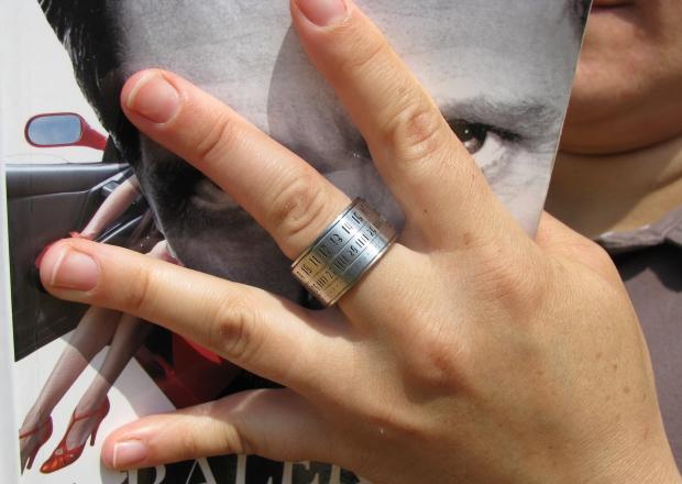20130825035253-finger_2