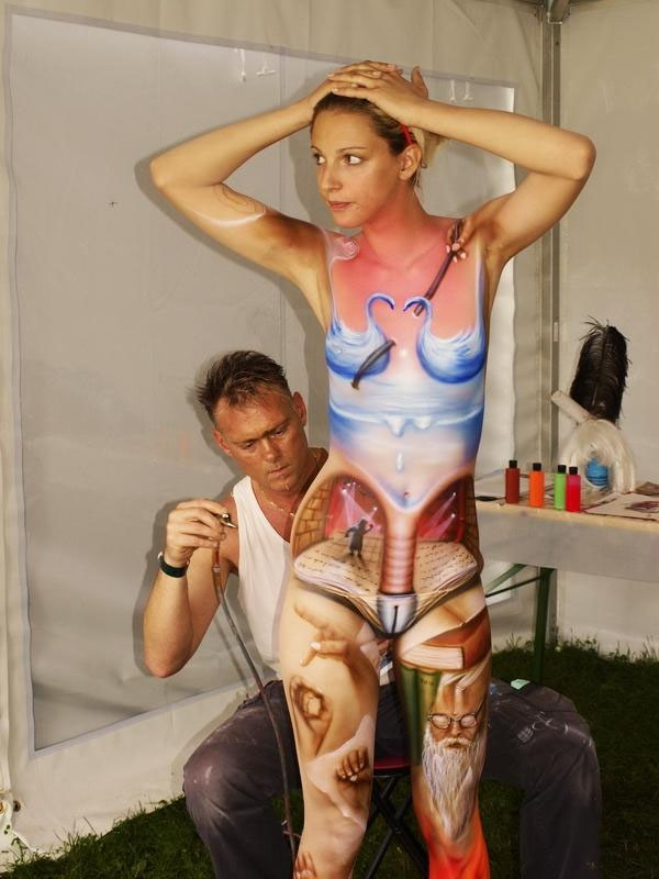 25-body-painting