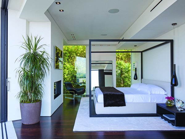 600x450xLaurel-Way-Residence-14-1-Kindesign.jpg.pagespeed.ic.5jFGUIfoG_