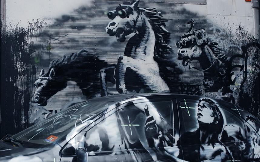 Banksy_car_close_u_2697372k
