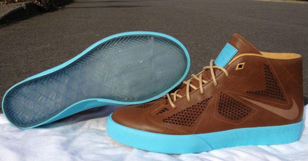 nike-lebron-x-nsw-lifestyle-nrg-leather-sample-01