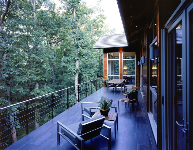 Spring-Has-Sprung-15-Great-Deck-Designs-For-Your-Space-12