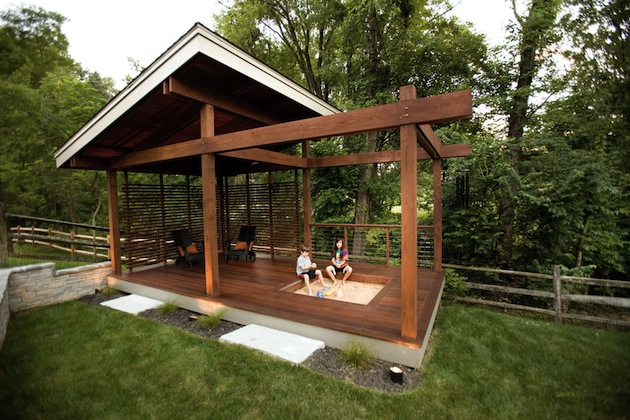 Spring-Has-Sprung-15-Great-Deck-Designs-For-Your-Space-16