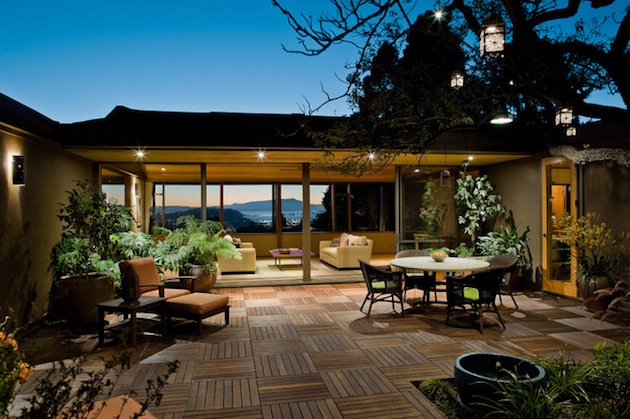 Spring-Has-Sprung-15-Great-Deck-Designs-For-Your-Space-3