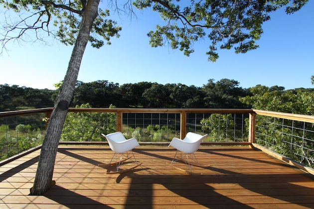 Spring-Has-Sprung-15-Great-Deck-Designs-For-Your-Space-8