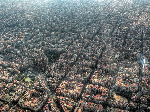 birds-eye-view-aerial-barcelona-600x449