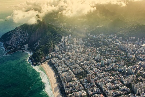 birds-eye-view-aerial-rio-600x400