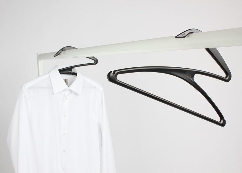 Gazelle-Clothes-Hanger-by-Gazel_ss_4