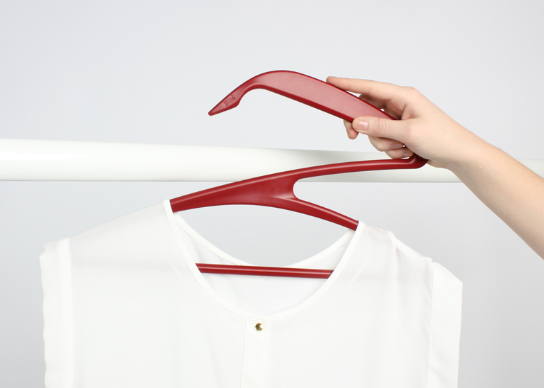 Gazelle-Clothes-Hanger-by-Gazel_ss_5