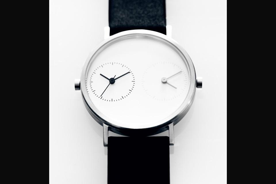 Kitmen-Keung-Long-Distance-Watch-2-960x640