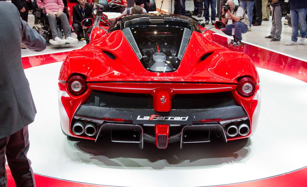 laferrari-ferrari-review-4