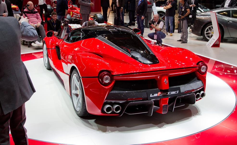 laferrari-ferrari-review-5