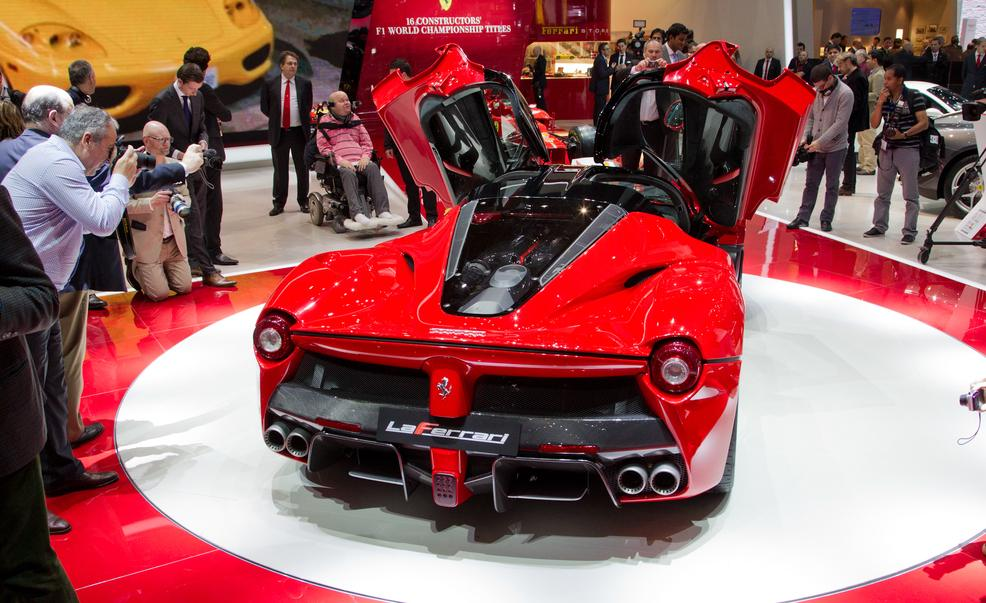 laferrari-ferrari-review-6
