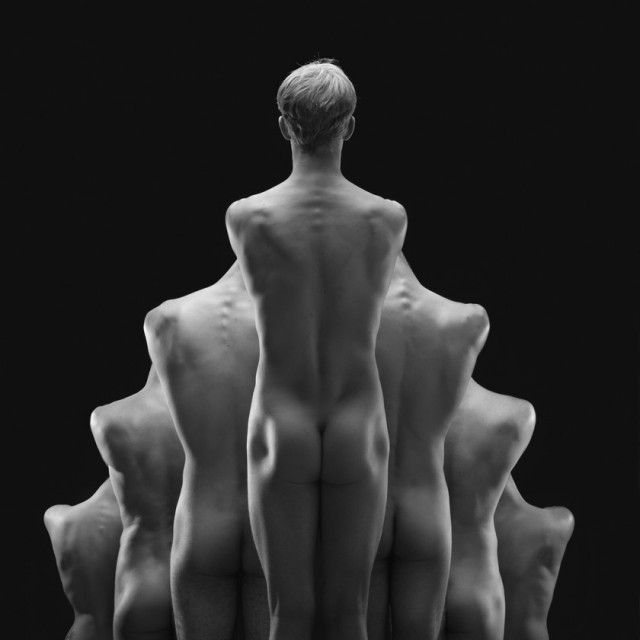 Naked-Bodies-Optical-Illusions-10