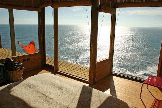 Stunning-Chilean-Beach-Home-2