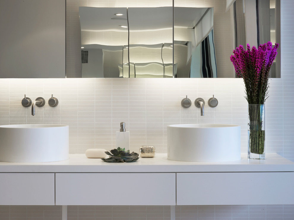 Bathroom-simple-sophistication