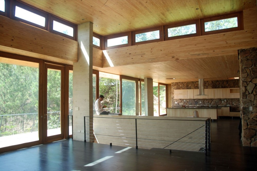Interior-simple-and-rustic