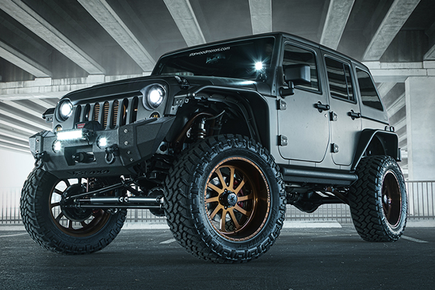 2014-Jeep-Wrangler-Unlimited-NightHawk-2